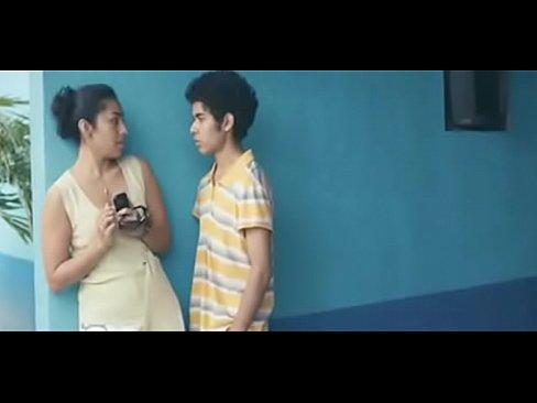 Jovencito de 18 años se folla a su tía en su cuarto mientras no hay nadie en casa – Película completa en HD aqui: https://ouo.io/pvLvWj