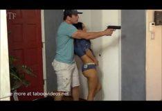 La violan en su casa con su amiga-http://shrink-service.it/s/dv3B8f completo